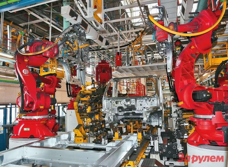 Цехсварки занимает площадь 100 тысяч кв.м— там трудятся 1000 человек персонала и700 роботов