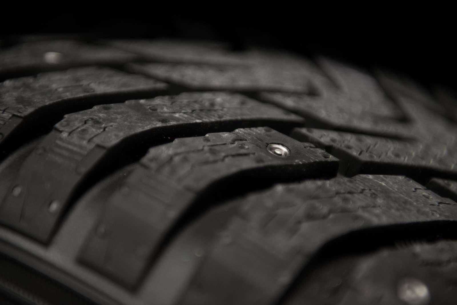 Non-studded_Nokian_Hakkapeliitta_concept_tyre_2_2014_новый размер