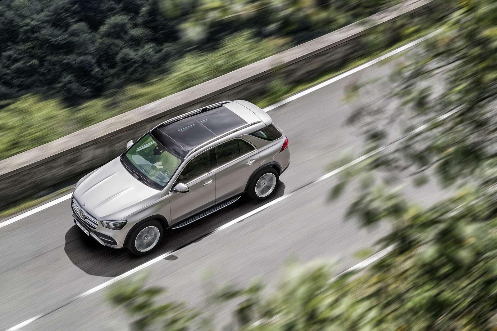 Новый Mercedes-Benz GLE: теперь онумеет подпрыгивать— фото 904192