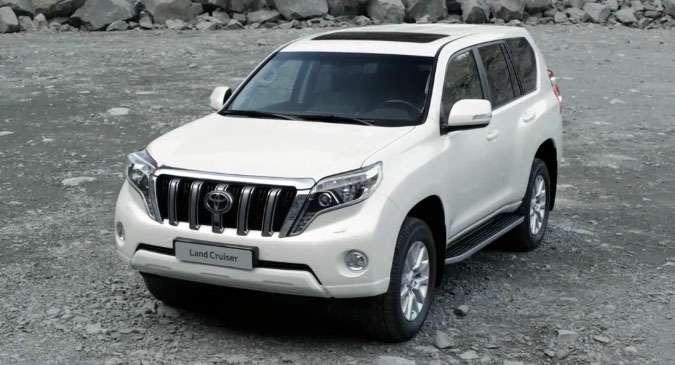 no copyright 2013 Toyota Land Cruiser Prado