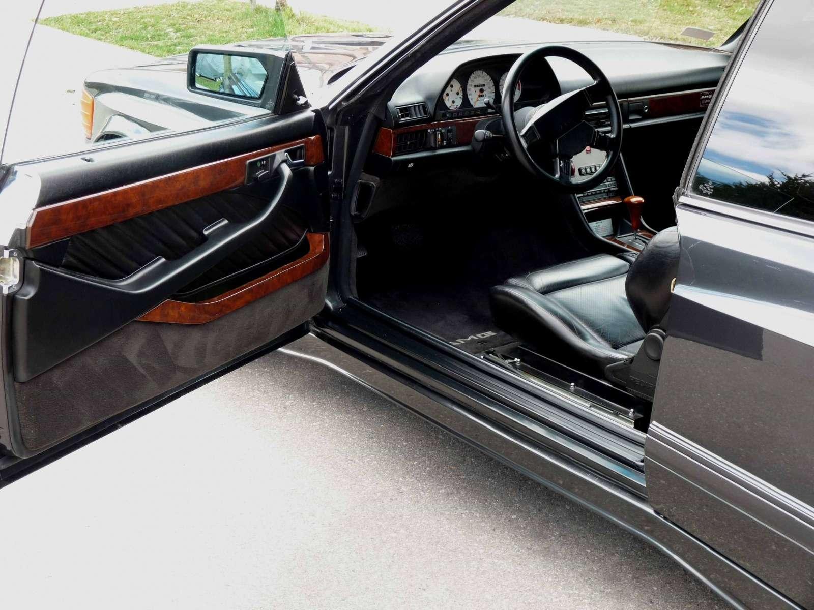 Полцарства законя: божественный Mercedes-Benz 560SEC 6.0AMG борозды неиспортит— фото 680598