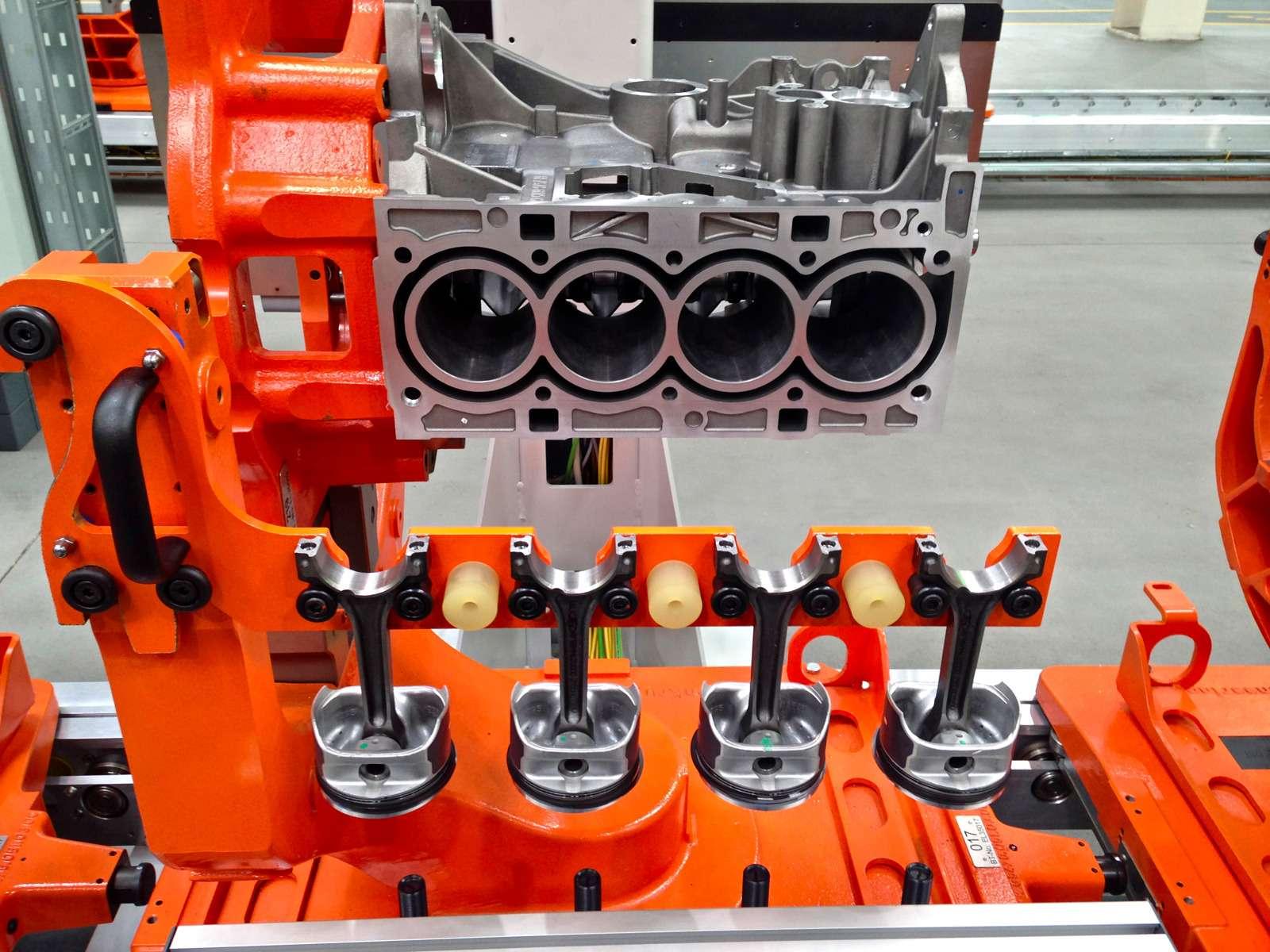 Каксобирают моторы Ford вЕлабуге— фото 595367