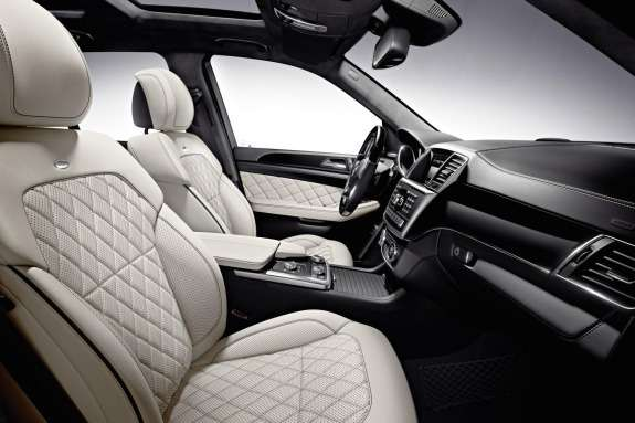 Mercdes-Benz ML 500 BlueEFFICIENCY inside