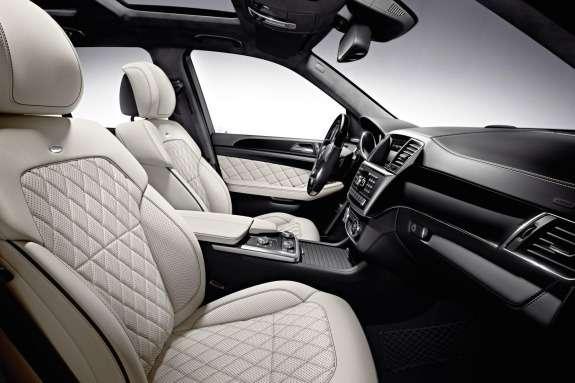 Mercdes-Benz ML500 BlueEFFICIENCY inside
