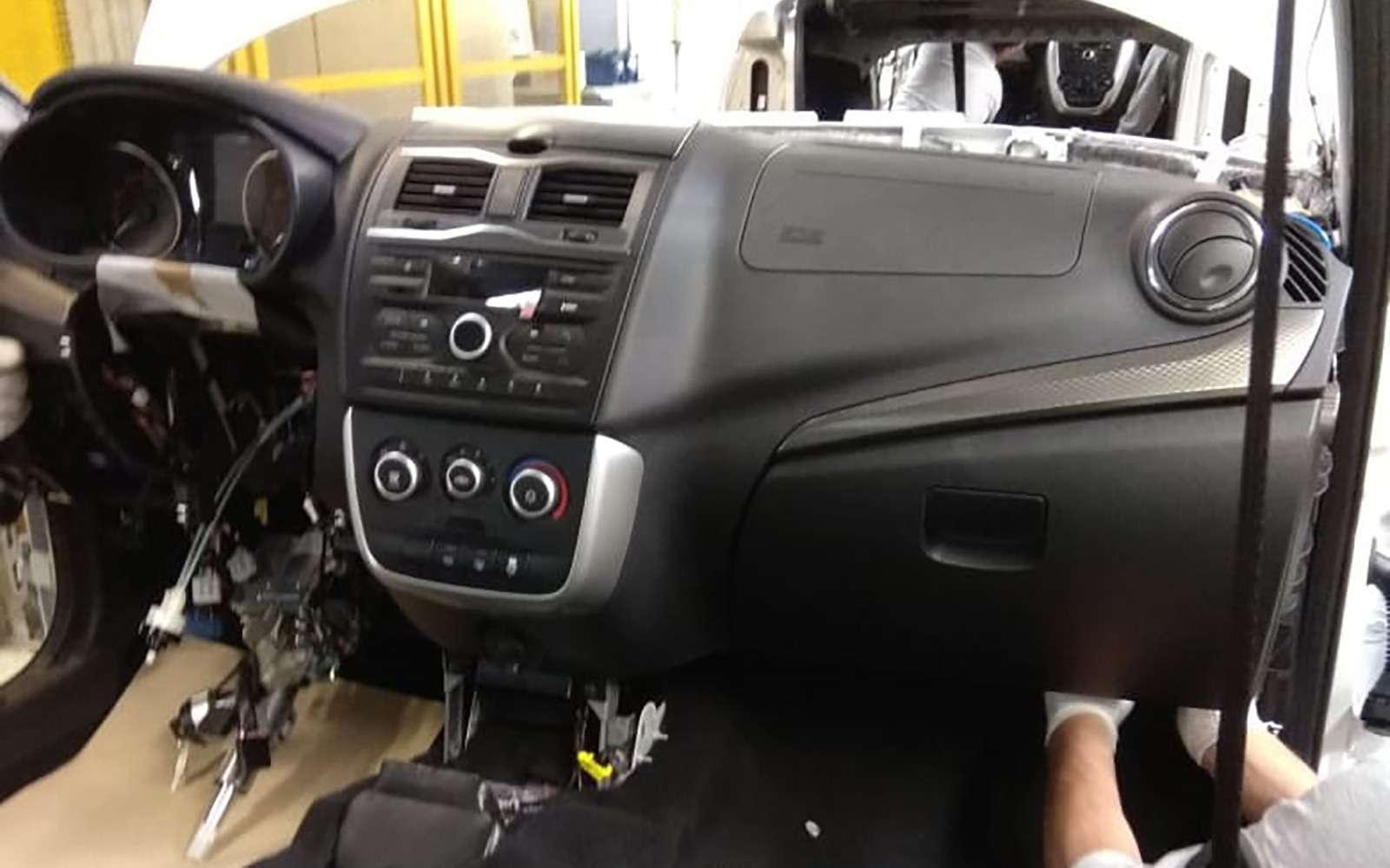 Lada Granta хэтчбек: первые фото без камуфляжа— фото 888429