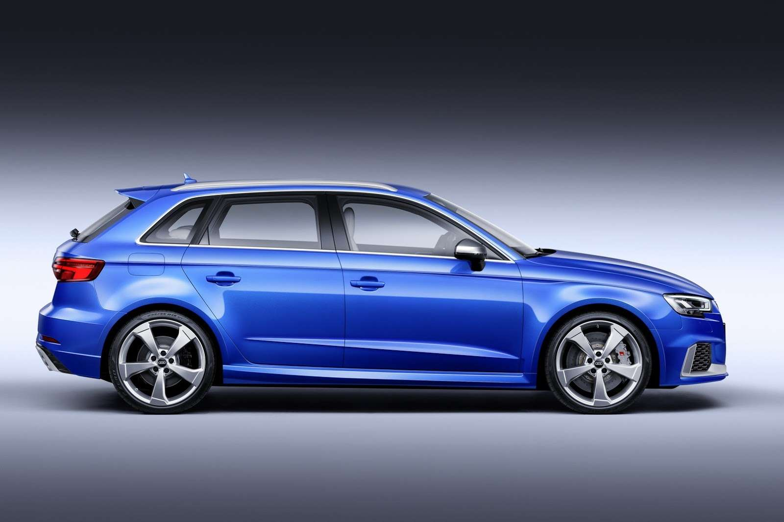 Десятые доли: хэтчбек Audi RS3 Sportback обновился— фото 705555