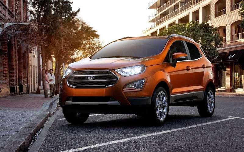 Ford третий раз за осень поднимает цены в России