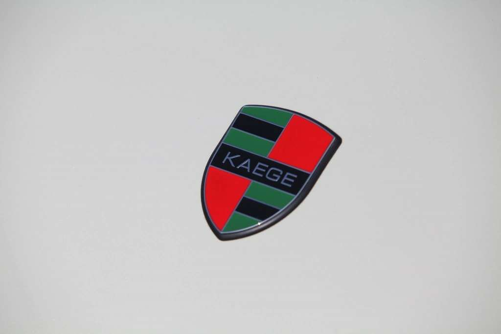 KAEGE-delivers-retro-flavored-1972-Porsche-911-packing-300-hp-17-1024x683