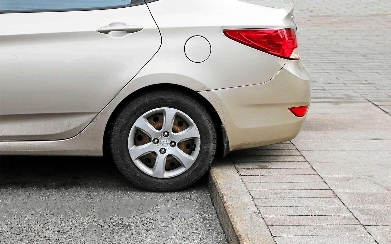 Какзаехать набордюр, чтобы неповредить машину?— фото 862192