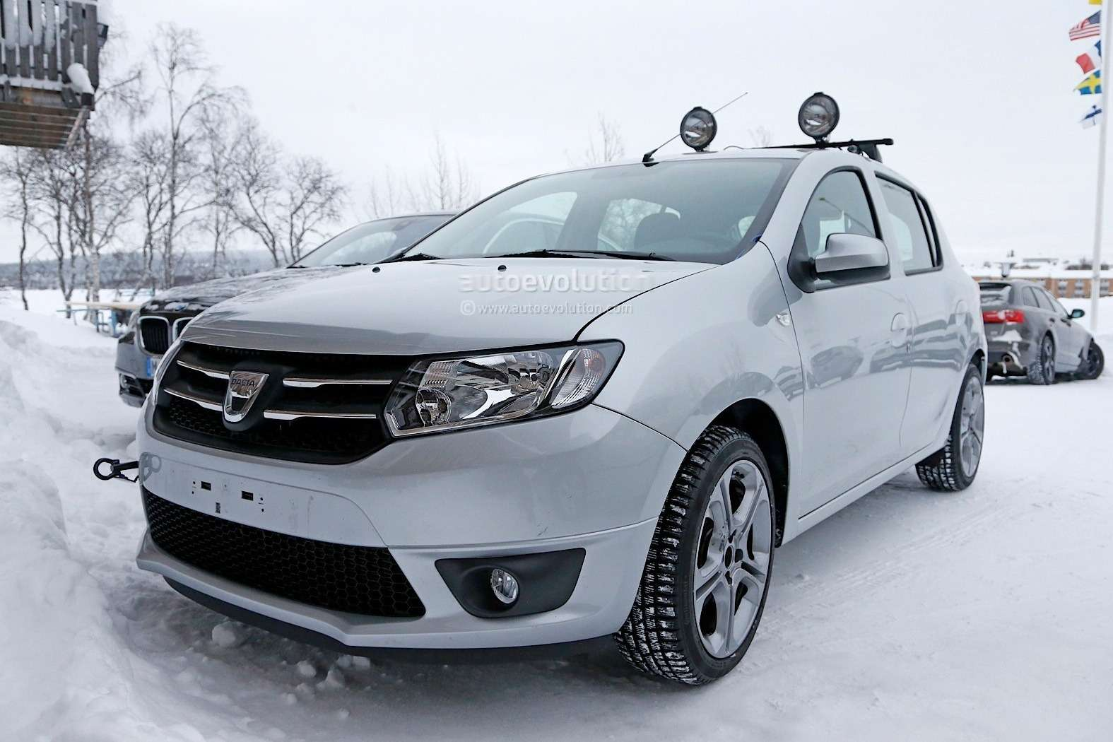 dacia-insider-confirms-sandero-rs-will-use-20l-naturally-aspirated-engine_1