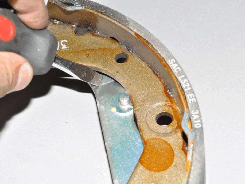 Шевроле кобальт замена задних колодок