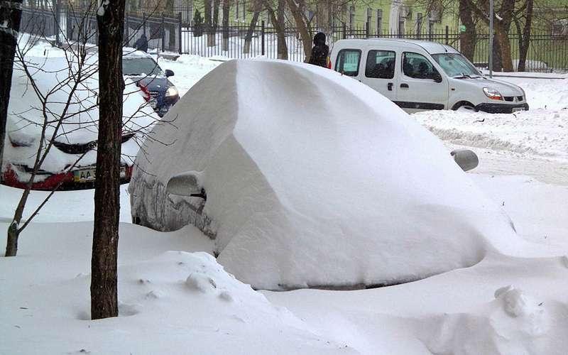 автомобиль подснегом