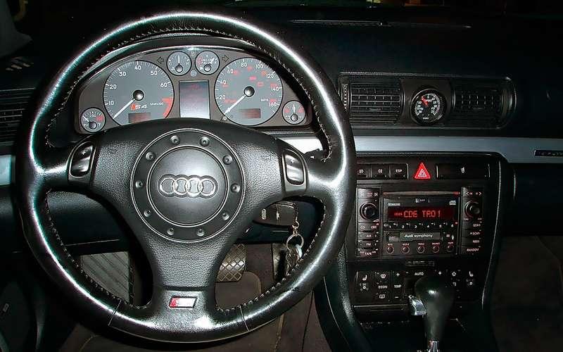 Руль Audi A4