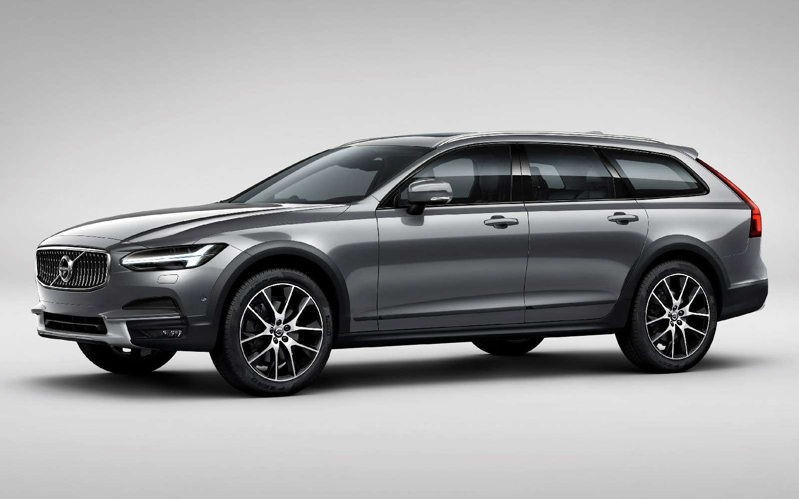 Такой «сарай» нам нужен: Volvo V90 Cross Country представлен официально— фото 635270