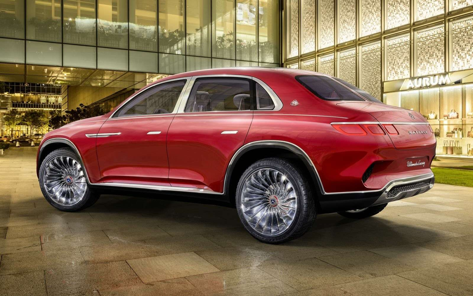 Кросс-седан Mercedes-Maybach Ultimate Luxury: золото, чайник, электричество— фото 865373