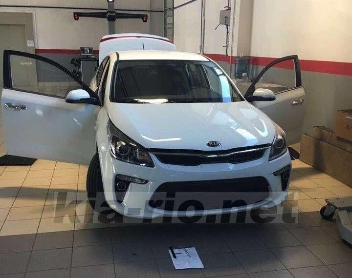 Новый Kia Rio дляроссийского рынка: первые фото— фото 752502
