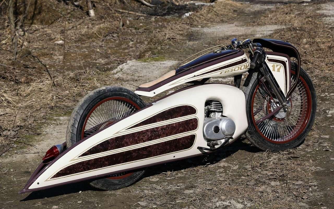 Житель Санкт-Петербурга создает шедевры надвух колесах. Ихможно купить