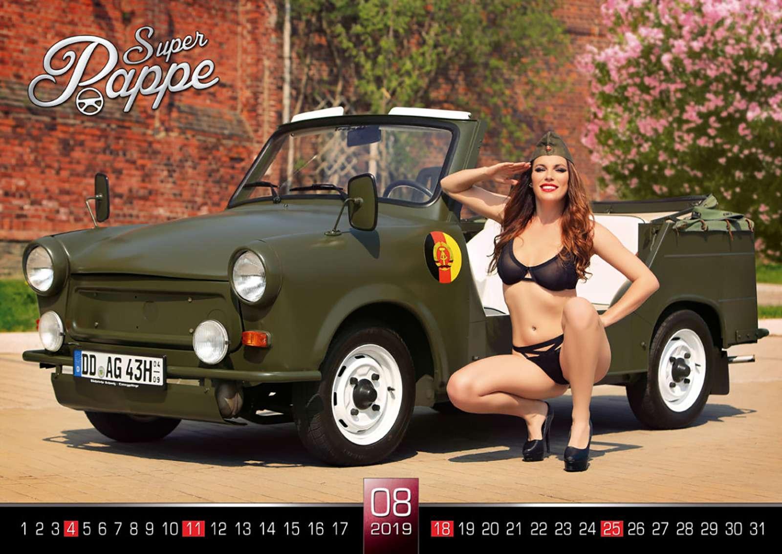 «Траби» иобнаженные девушки: самый горячий эротический календарь осени— фото 911098