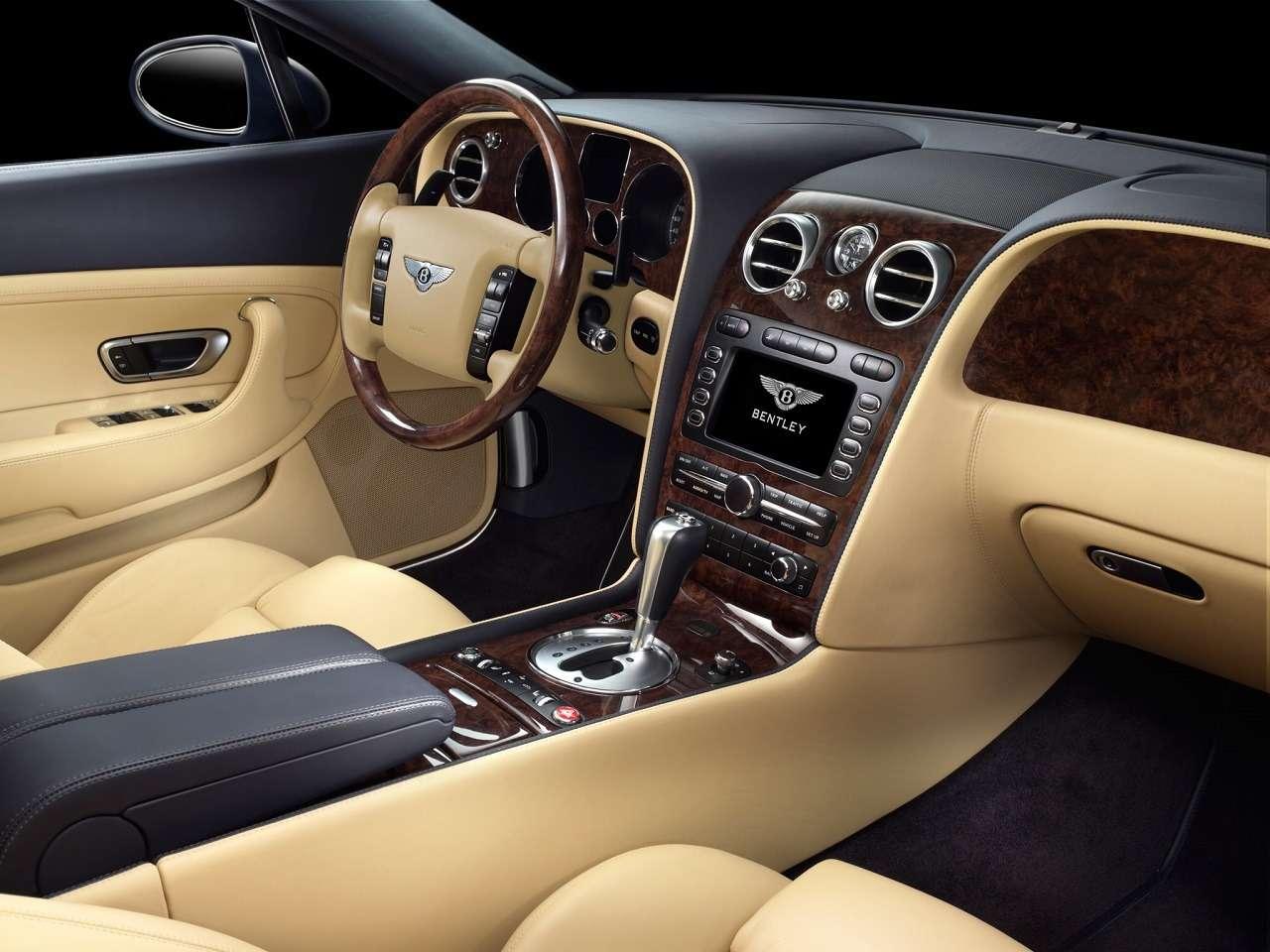 Роскошь недорого: как выбрать Bentley спробегом (ине разориться потом)— фото 1242685