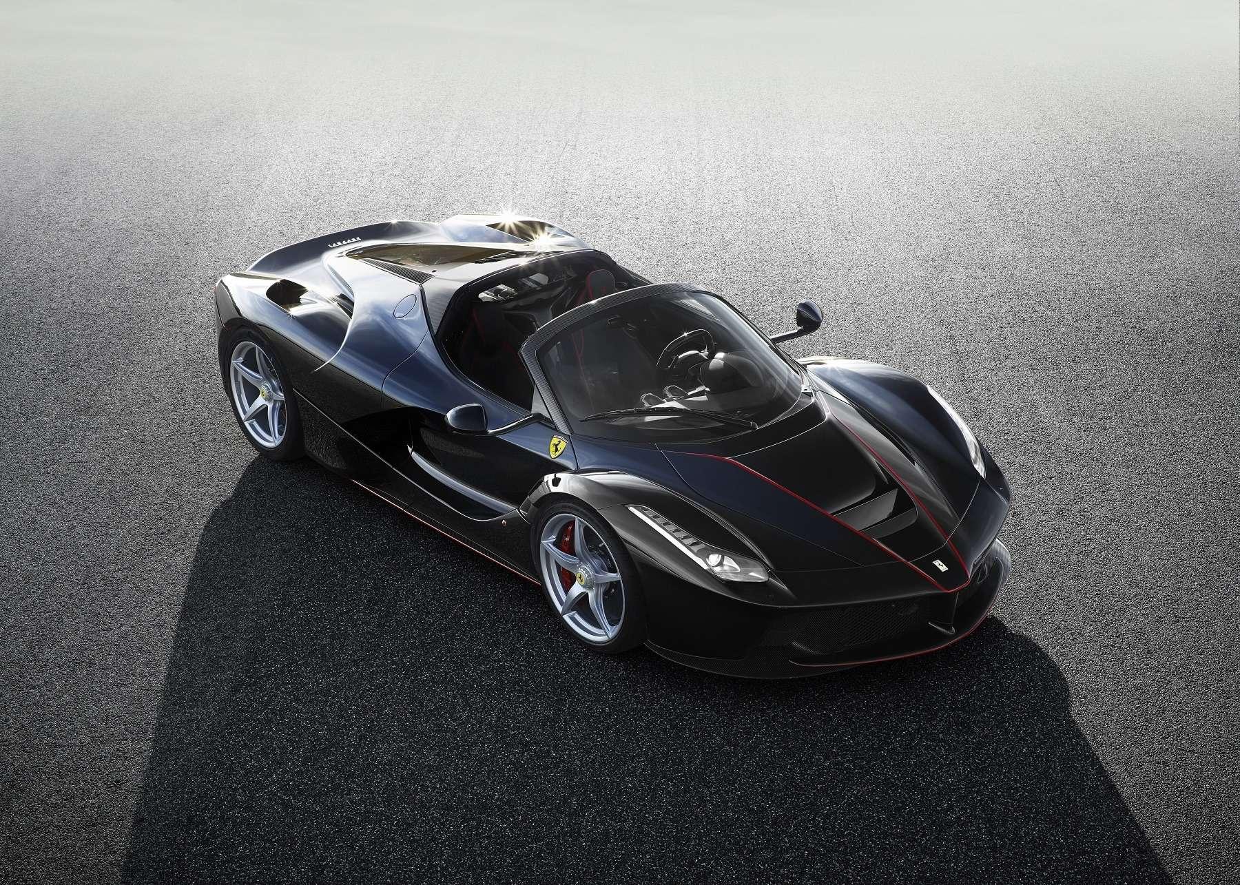 В двух словах овеликом: Ferrari представила гиперкар LaFerrari Aperta— фото 605420