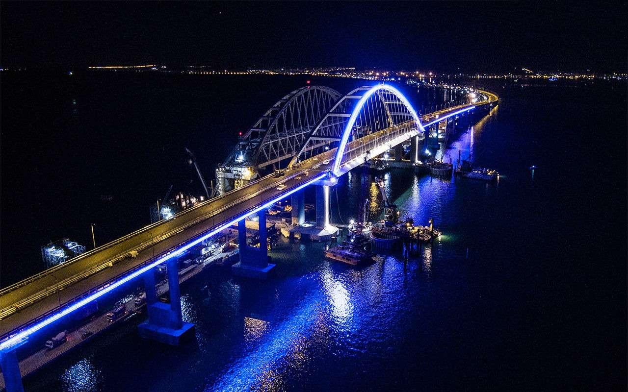 Полная иллюминация! НаКрымском мосту протестировали ночную подсветку— фото 866647