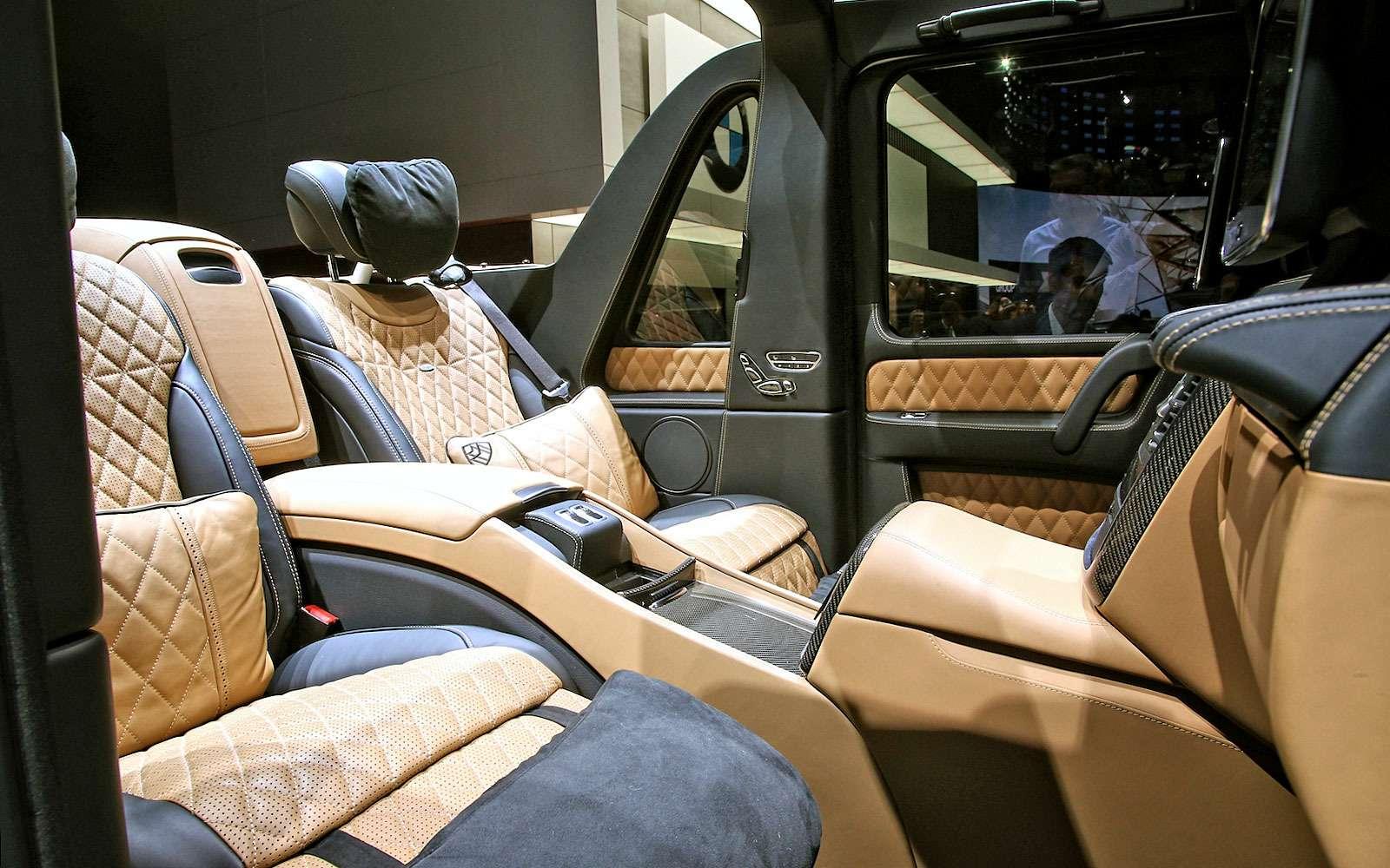 Задавить массой: Mercedes-Maybach G650 Landaulet возвысился надтолпой— фото 718952