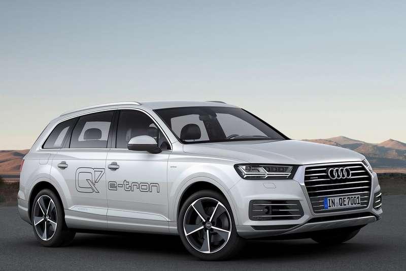 Audi-Q7_e-tron_3.0_TDI_quattro_2017_1600x1200_wallpaper_02