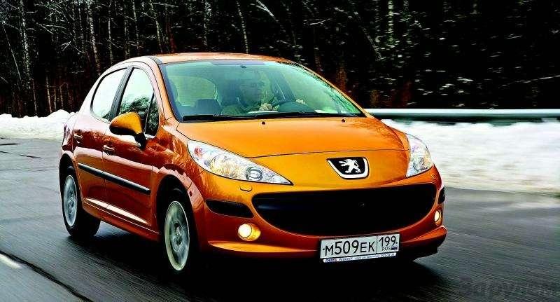 Peugeot 207, Chevrolet Aveo, Skoda Fabia: Кавалеры приглашают дам— фото 93099
