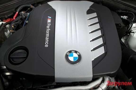 BMW triple turbo diesel engine