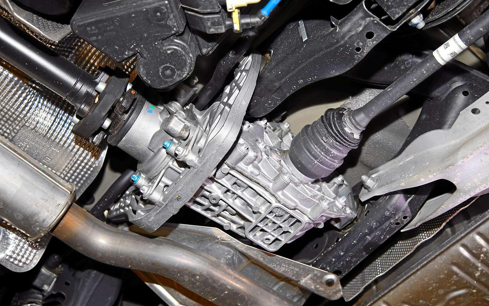 VWGolf GTI против Infiniti Q30—  кто любит погорячее— фото 710220