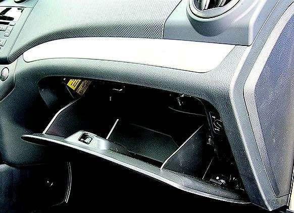 Peugeot 207, Chevrolet Aveo, Skoda Fabia: Кавалеры приглашают дам— фото 93079