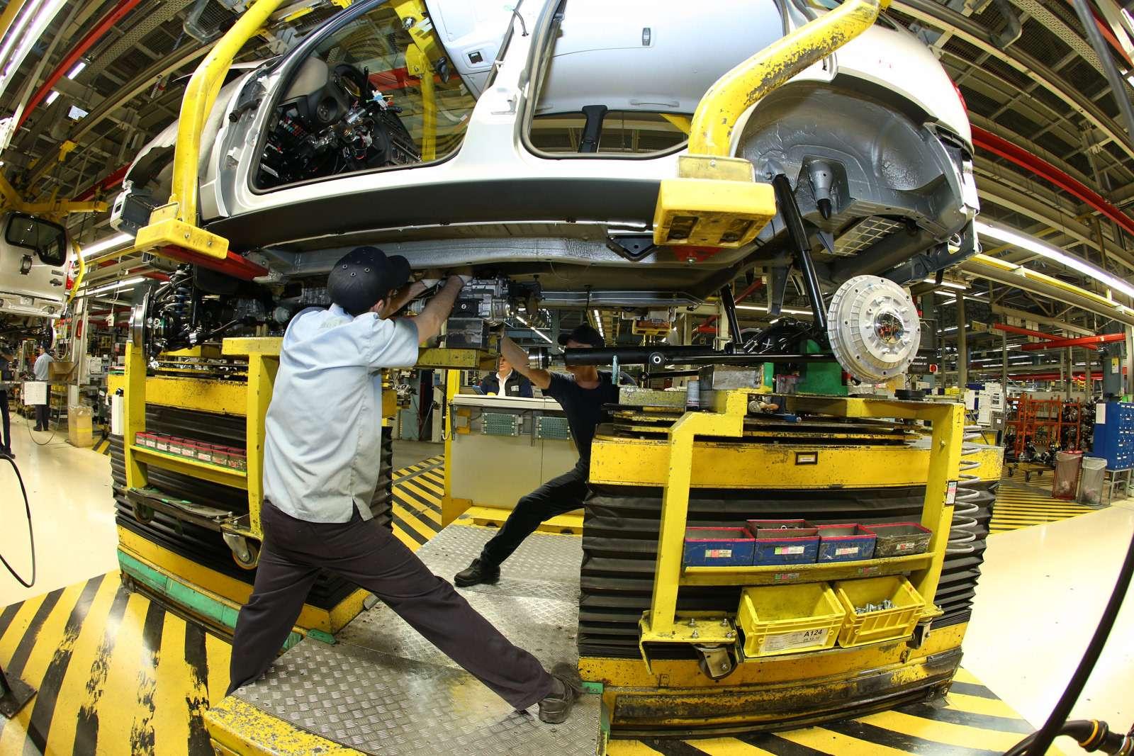 Черно-белая Chevrolet Niva спешит кдилерам (ОБНОВЛЕНО)— фото 669058