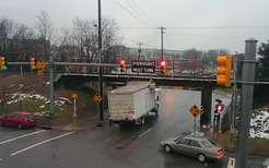 Для поездов нашелся свой Мост глупости