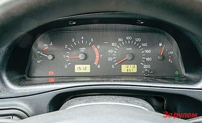 Chevrolet Niva Приборы от«десятки». Сказать, что они уродливы или неинформативны, янемогу.