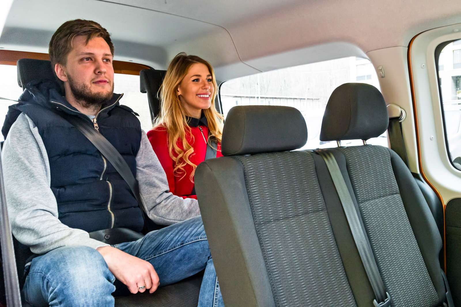 Изящество или практичность? Citroen Grand C4Picasso против VWCaddy Maxi— фото 599151