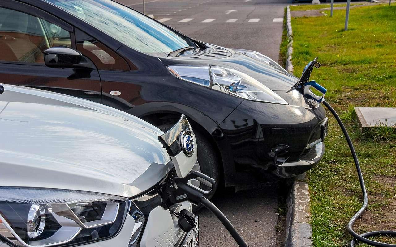 Самый дешевый электромобиль: тест нового китайца— фото 1198931