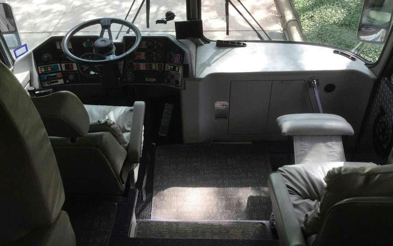 Личный автобус Принса продадут смолотка— фото 1202241