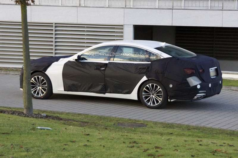New Hyundai Genesis test prototype side-rear view 2_no_copyright