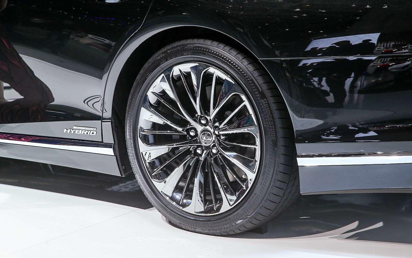 Новый Lexus LSпредстал вЖеневе вгибридном исполнении 500h— фото 718385