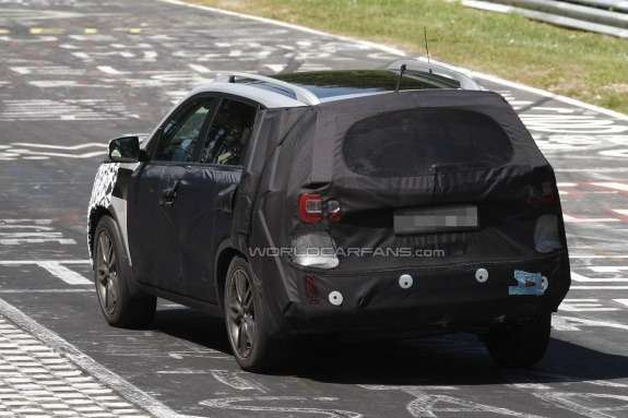 Kia Sorento test prototype side-rear view