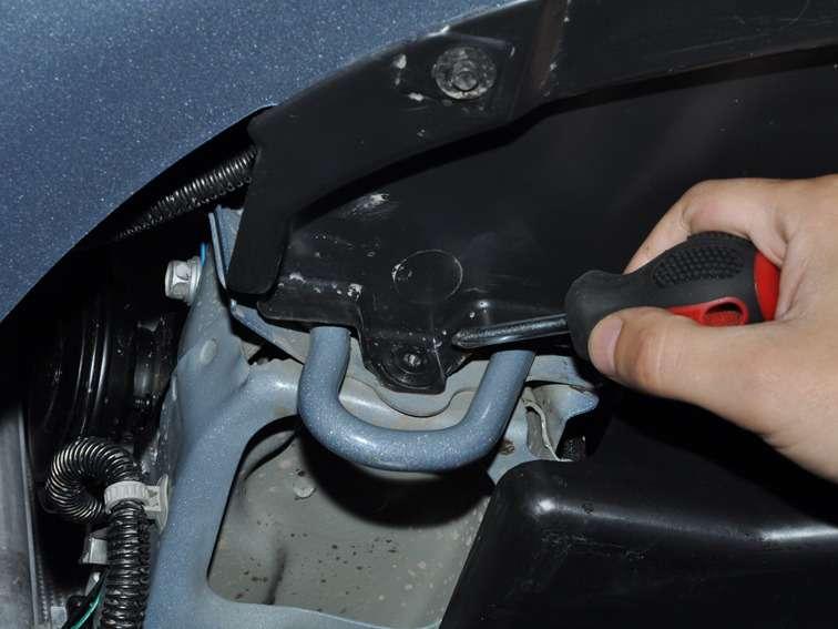 Замена раздатки джентра Замена тормозного шланга с прокачкой рено симбол