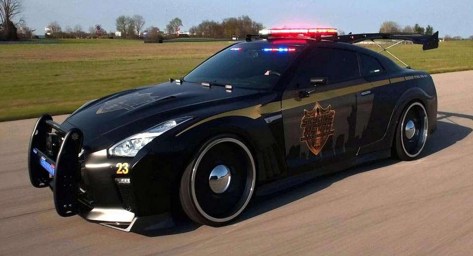 Полицейский Nissan GT-R: расслабляться линарушителям?— фото 733367