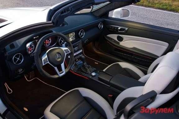 Mercedes-Benz SLK 55AMG inside