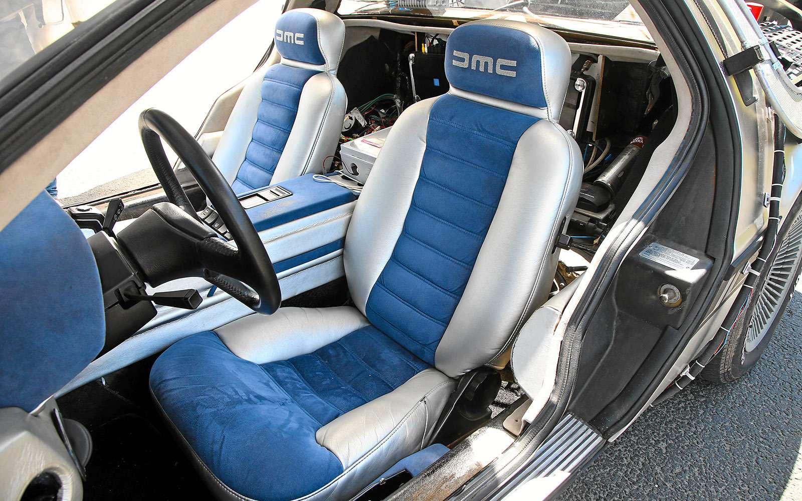 BMWi8и DeLorean DMC-12— вперед вбудущее— фото 637021