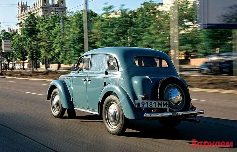 Москва имыизменились куда больше, чем этот автомобиль 1954 года рождения.