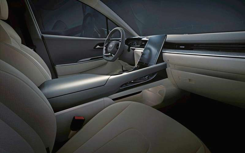 Новый Hyundai Custo— первые фото салона