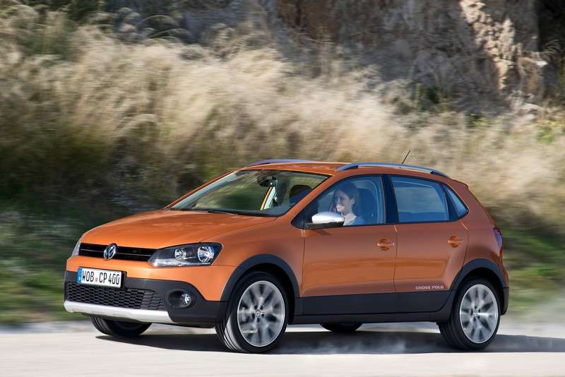 Volkswagen-CrossPolo_2014_1600x1200_wallpaper_07