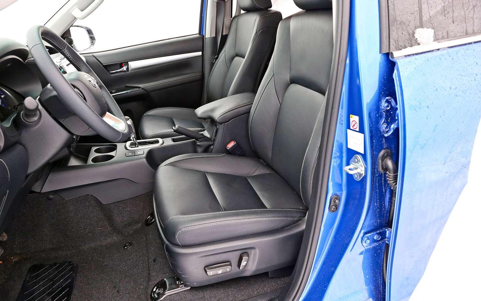 Пикапы Isuzu D-Max, Mitsubishi L200и Toyota Hilux: на«обортаж»!— фото 698444