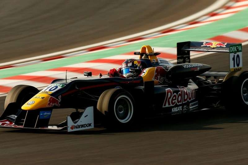 Red Bull, SMP F4, Нико Кари, Хельмут Марко