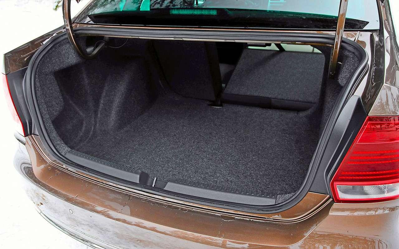 5 плюсов иодин большой минус седана Volkswagen Polo— фото 879719
